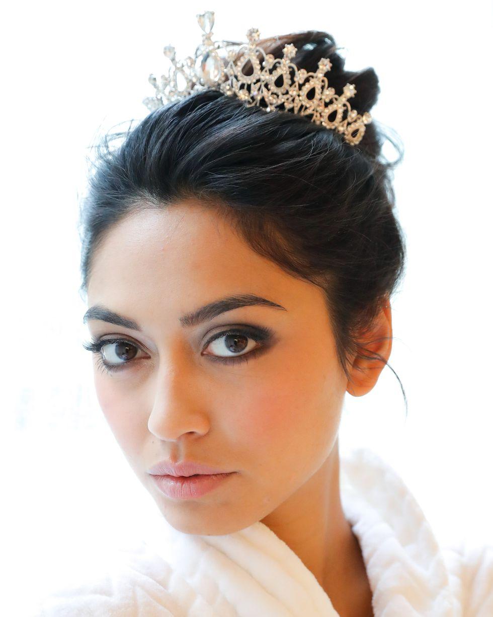 trang điểm cô dâu Theia
