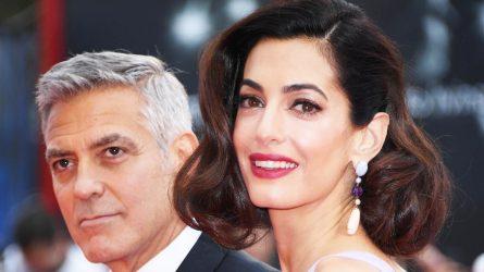 Nhan sắc lộng lẫy bất chấp thời gian của Amal Clooney