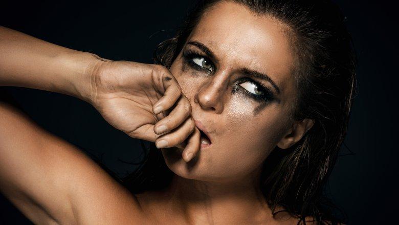 trang điểm cơ bản lem mascara