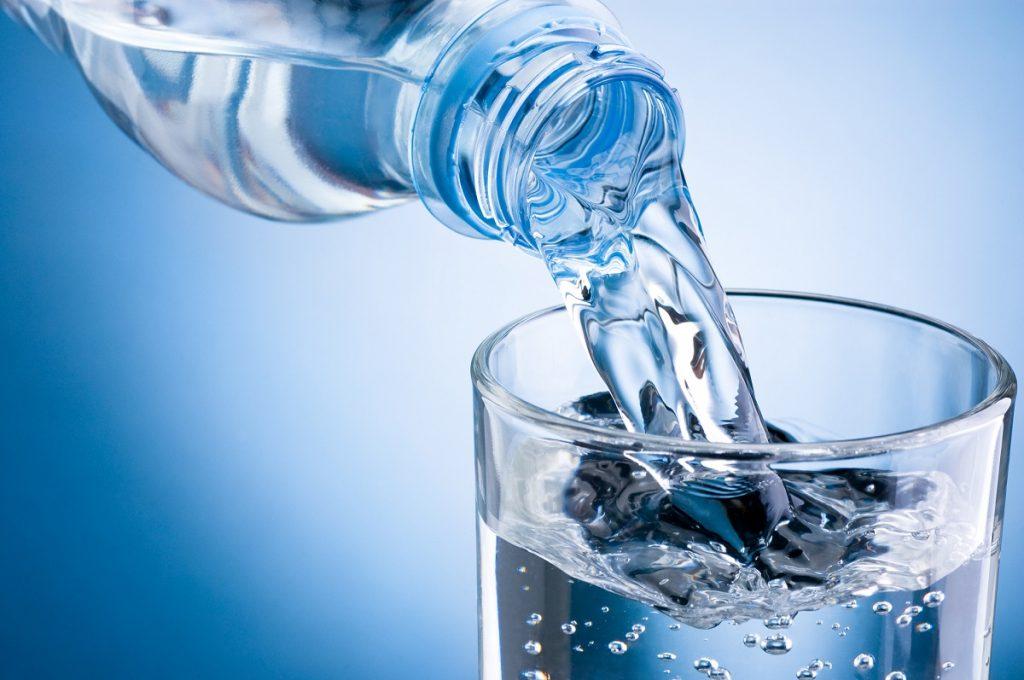 chăm sóc da mặt uống nước