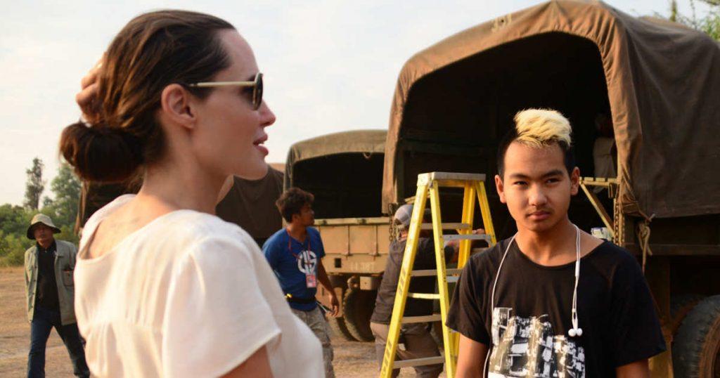 Hình Angelina Jolie 11