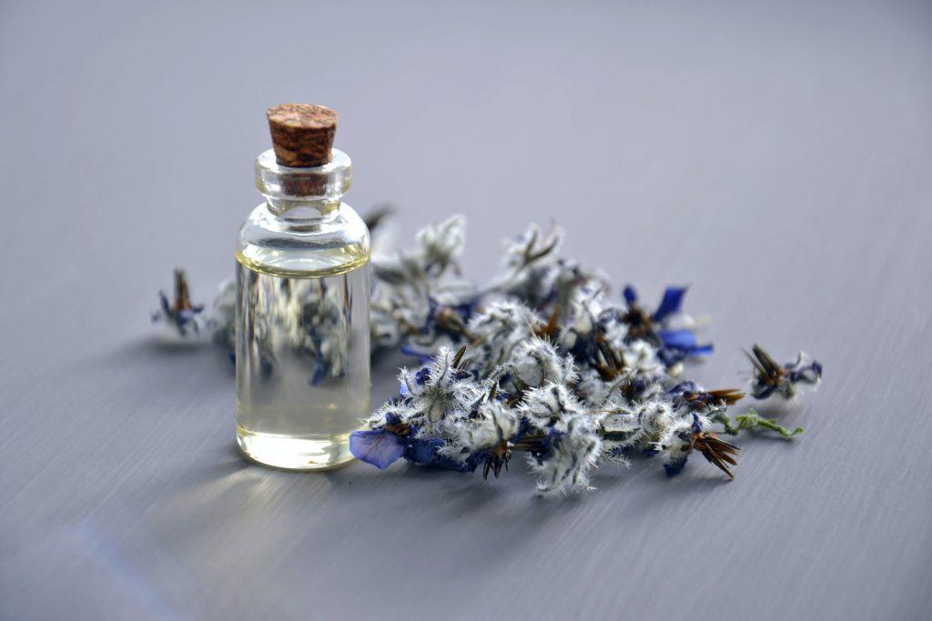 tinh dầu thiên nhiên trong nước hoa