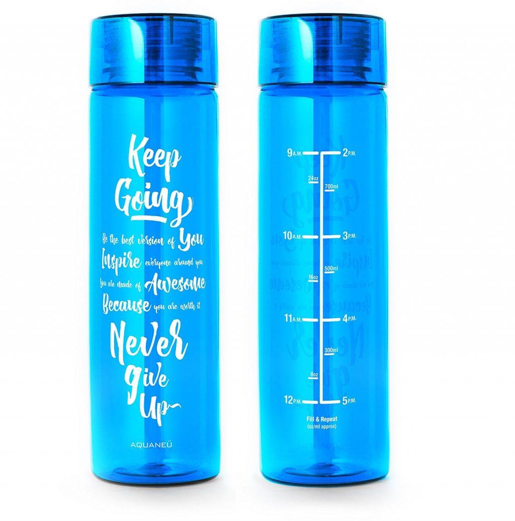 uống nhiều nước bình nước có thước đo