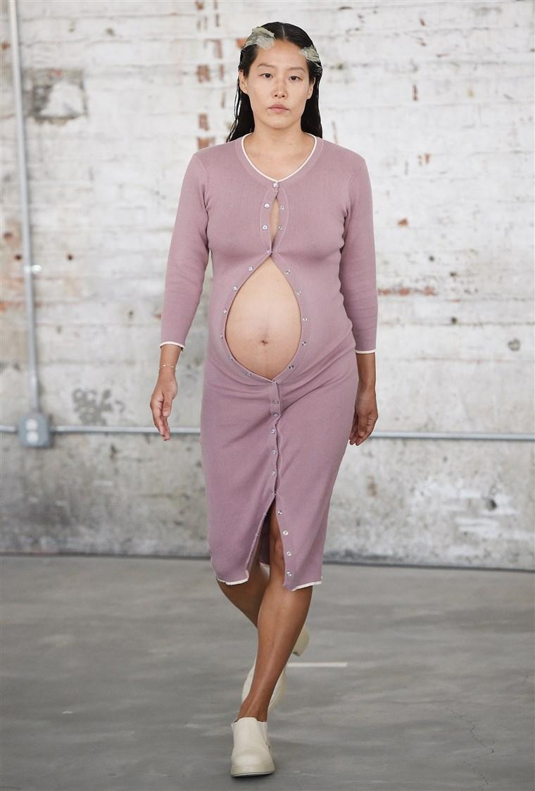 người mẫu mang thai