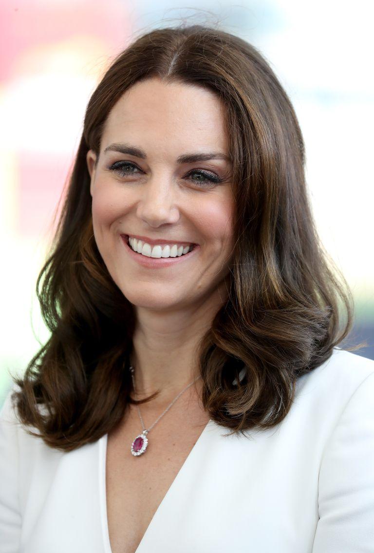 dáng lông mày đẹp Kate