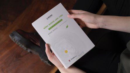 [Review sách hay] Mark Boyle - Kẻ đi ngược dòng thời cuộc