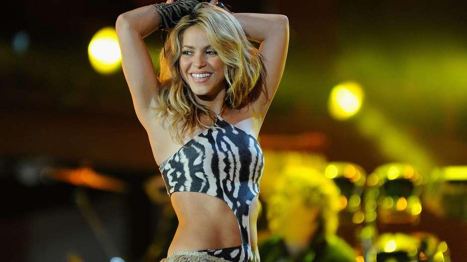 phong cách trang điểm World Cup 2010 Shakira 1