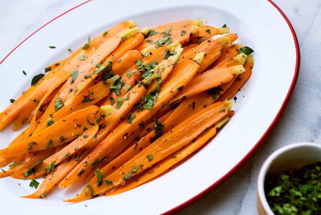 thực phẩm tốt cho mắt cà rốt