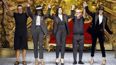 Naomi Campbell làm vedette trong buổi trình diễn thời trang nam Dolce & Gabbana