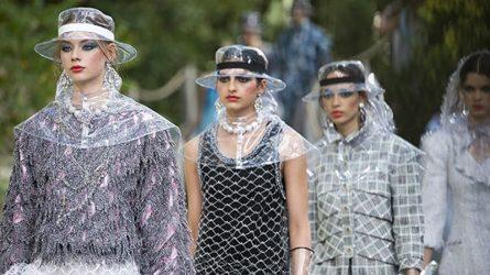 Đi tìm nguồn gốc của xu hướng thời trang nhựa