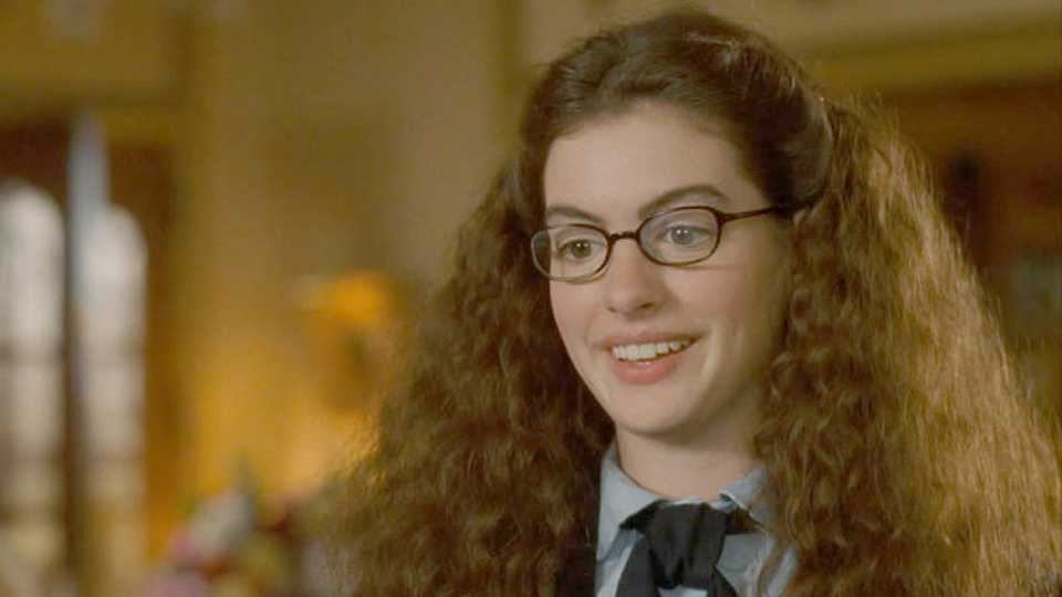kiểu tóc đẹp Anne Hathaway 1