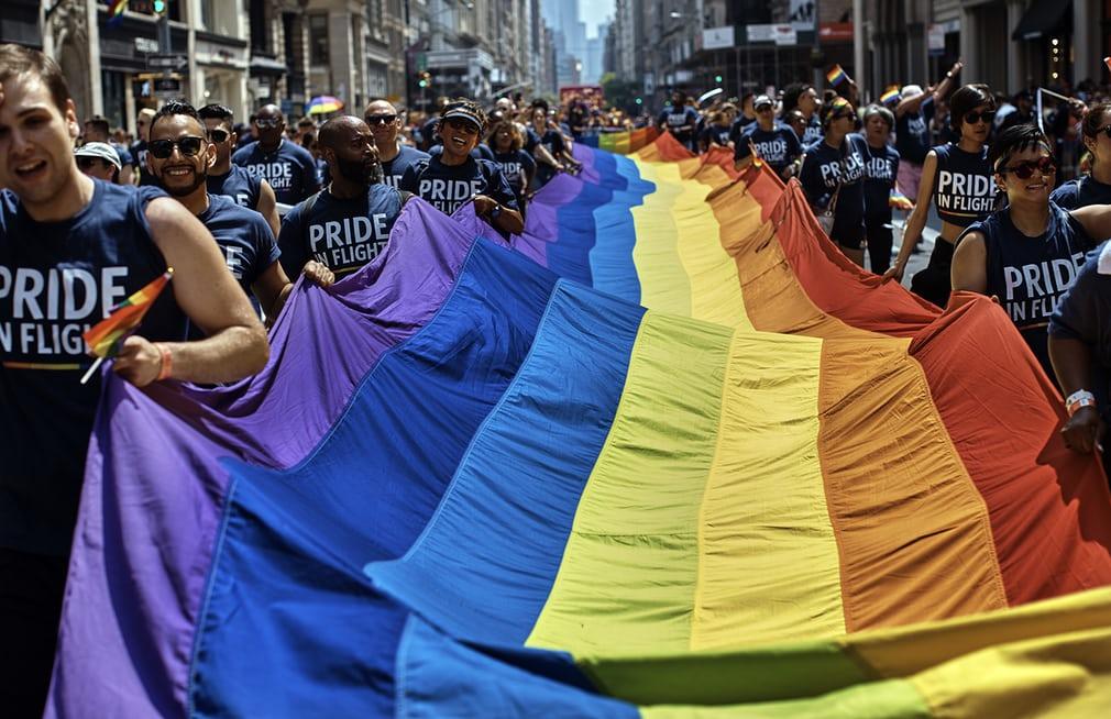 Diễu hành đồng tính 10