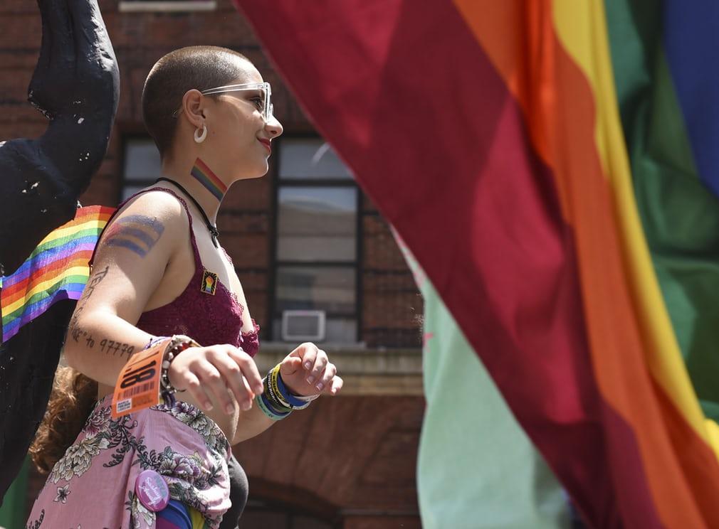 Diễu hành đồng tính 8