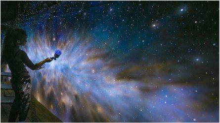Sơn UV và những bức tường nghệ thuật đẹp như vũ trụ kỳ ảo