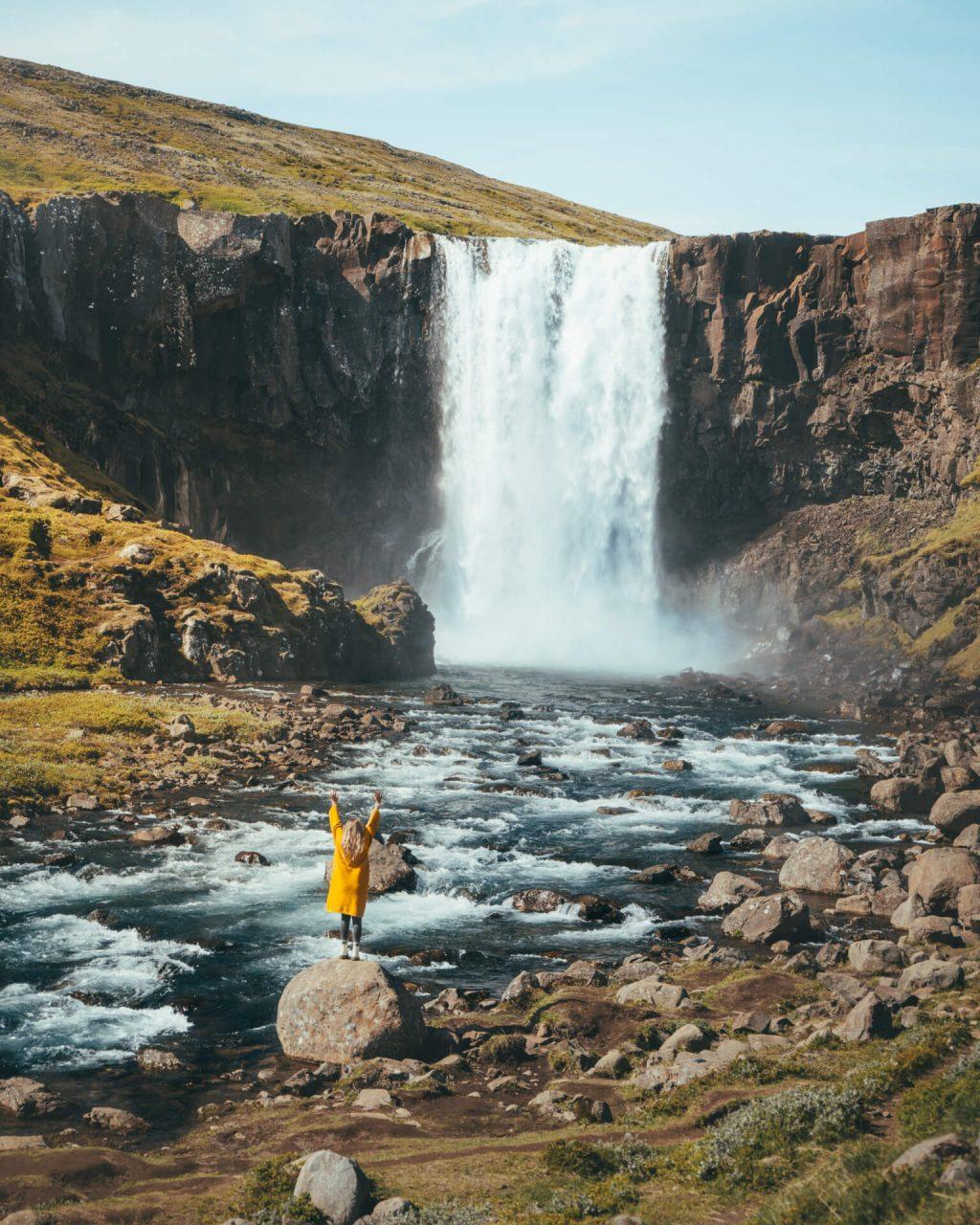 thác nước ở Iceland 3
