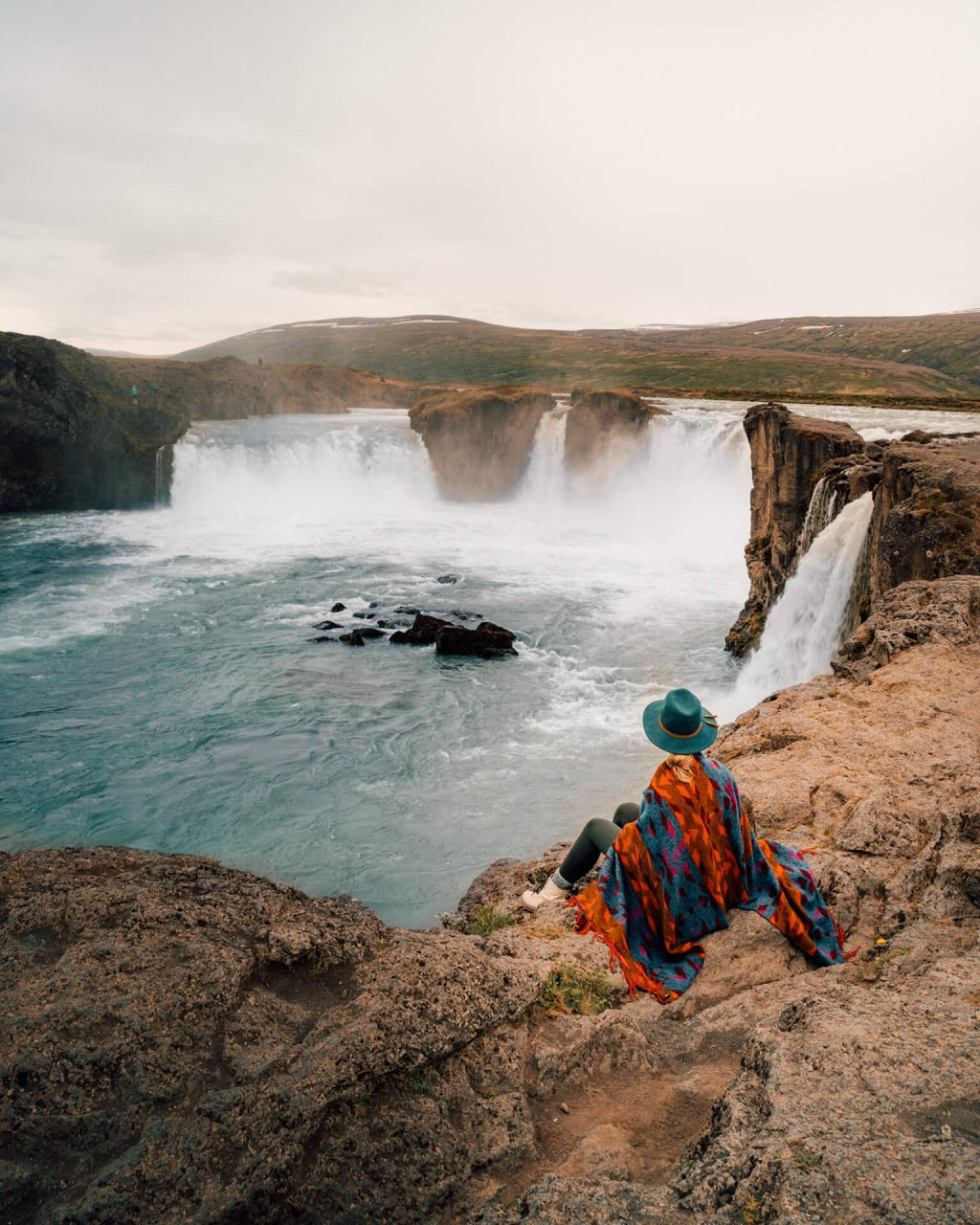 thác nước ở Iceland 7