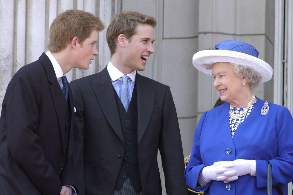 Nữ hoàng Elizabeth 16