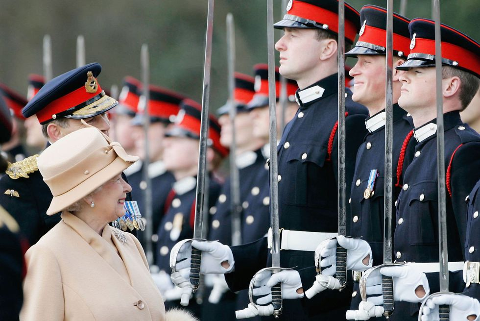 Nữ hoàng Elizabeth 18