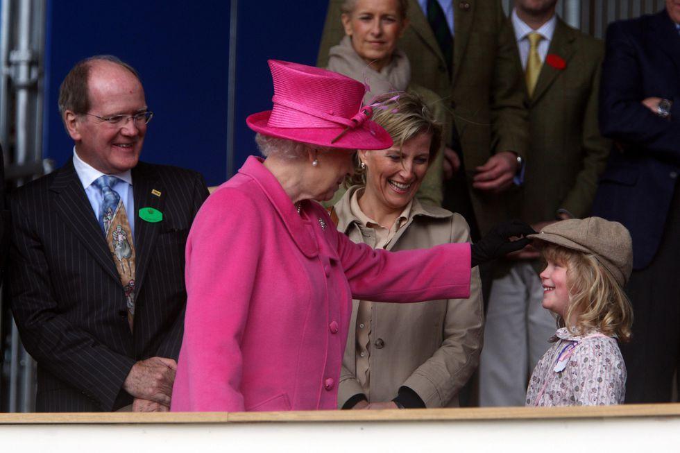 Nữ hoàng Elizabeth 21