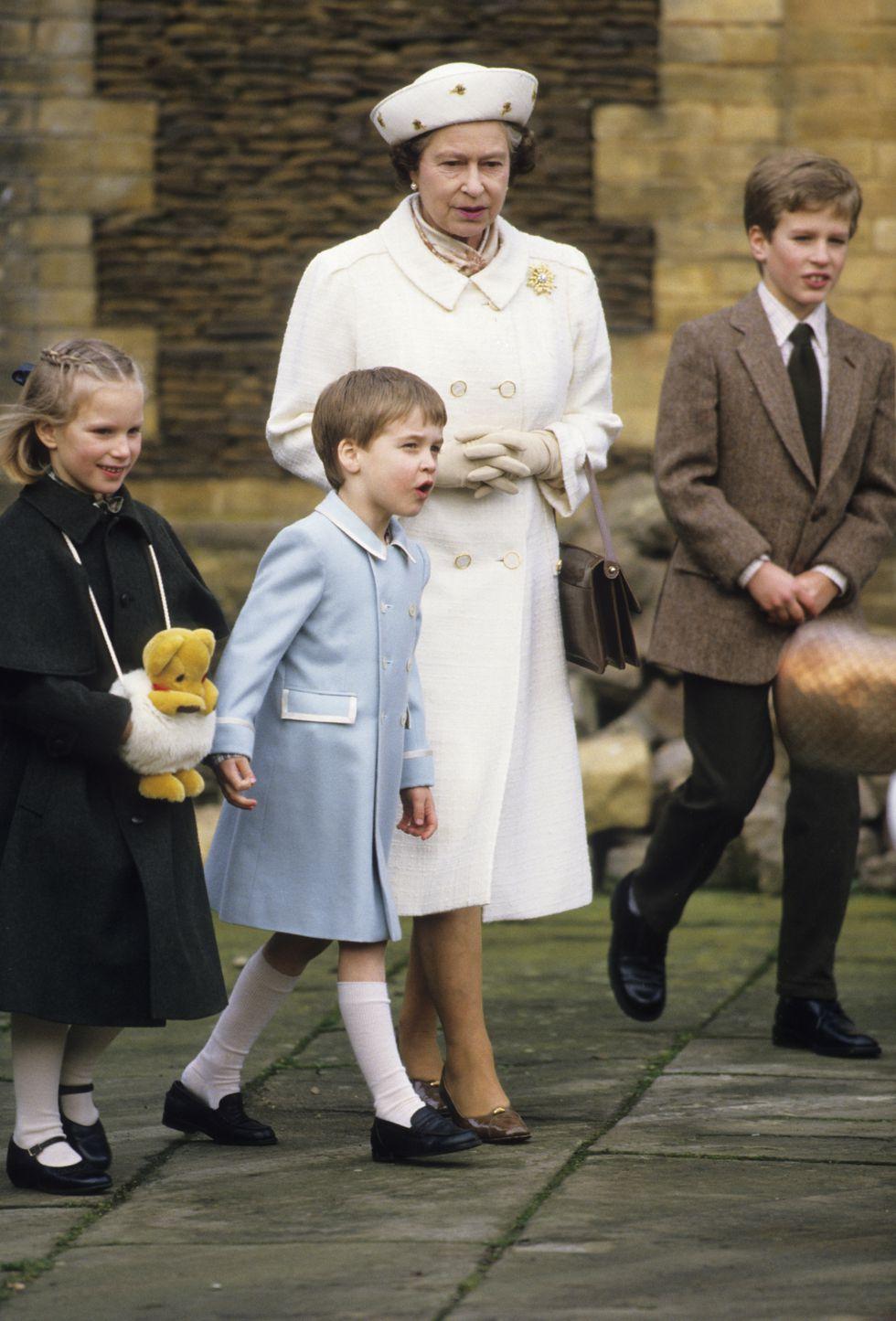Nữ hoàng Elizabeth 9