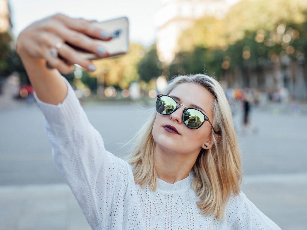 hình selfie 3