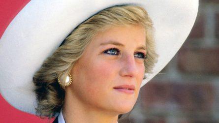 Công nương Diana để lại di sản thời trang rực rỡ