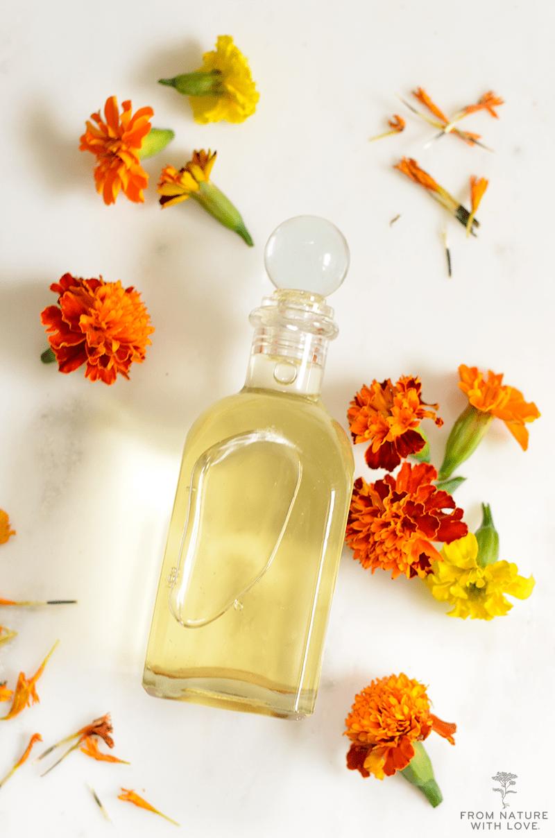Tinh dầu dưỡng thể tinh chất hoa