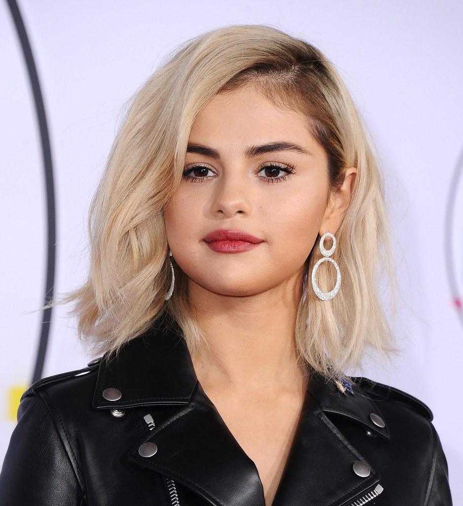 Phong cách trang điểm Selena