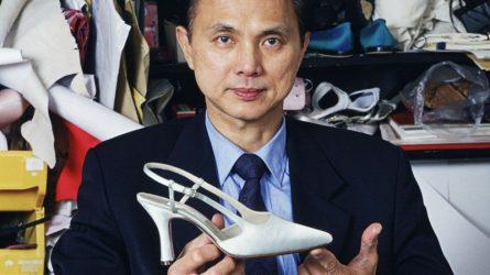 """Nhà thiết kế Jimmy Choo: Từ """"cậu bé đóng giày"""" đến NTK giày cho Hoàng gia"""