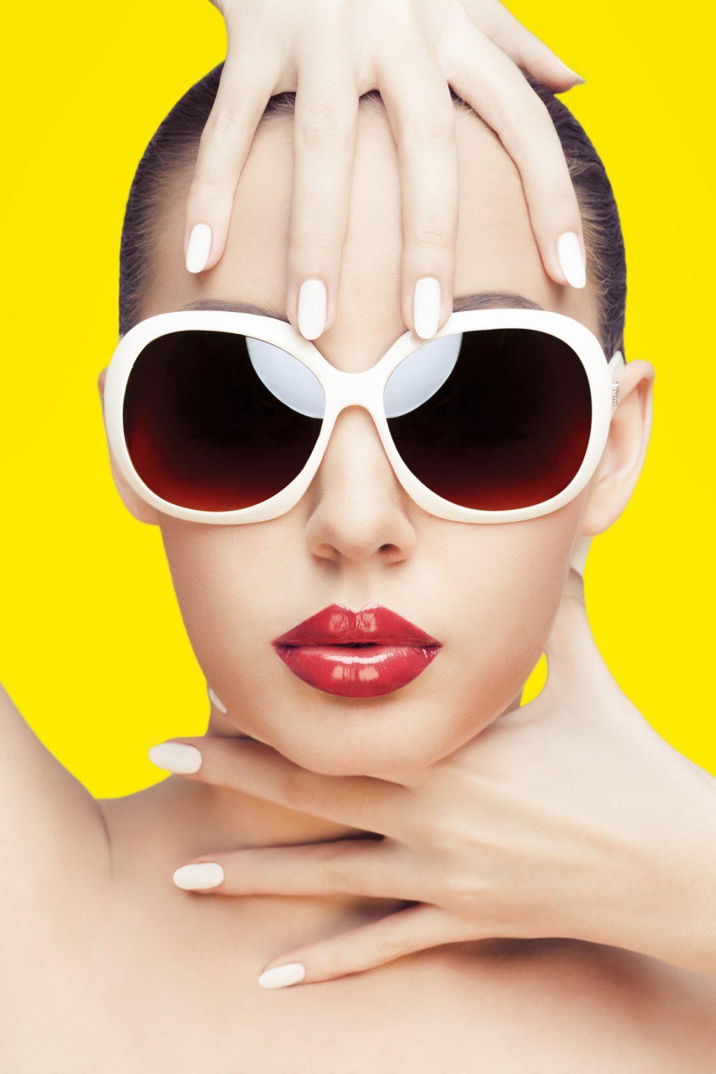 Bảo vệ mắt bằng kính