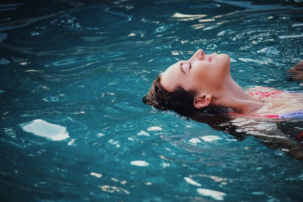Bảo vệ mắt khi bơi