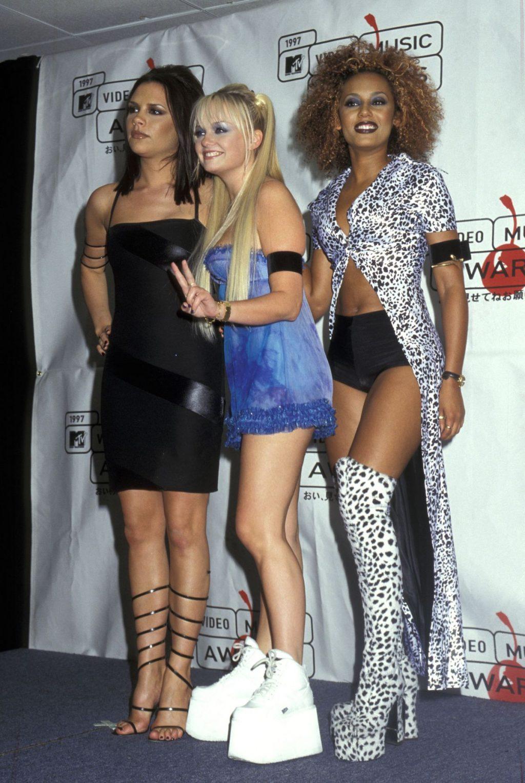 xu hướng thời trang nữ quyền spice girls 21