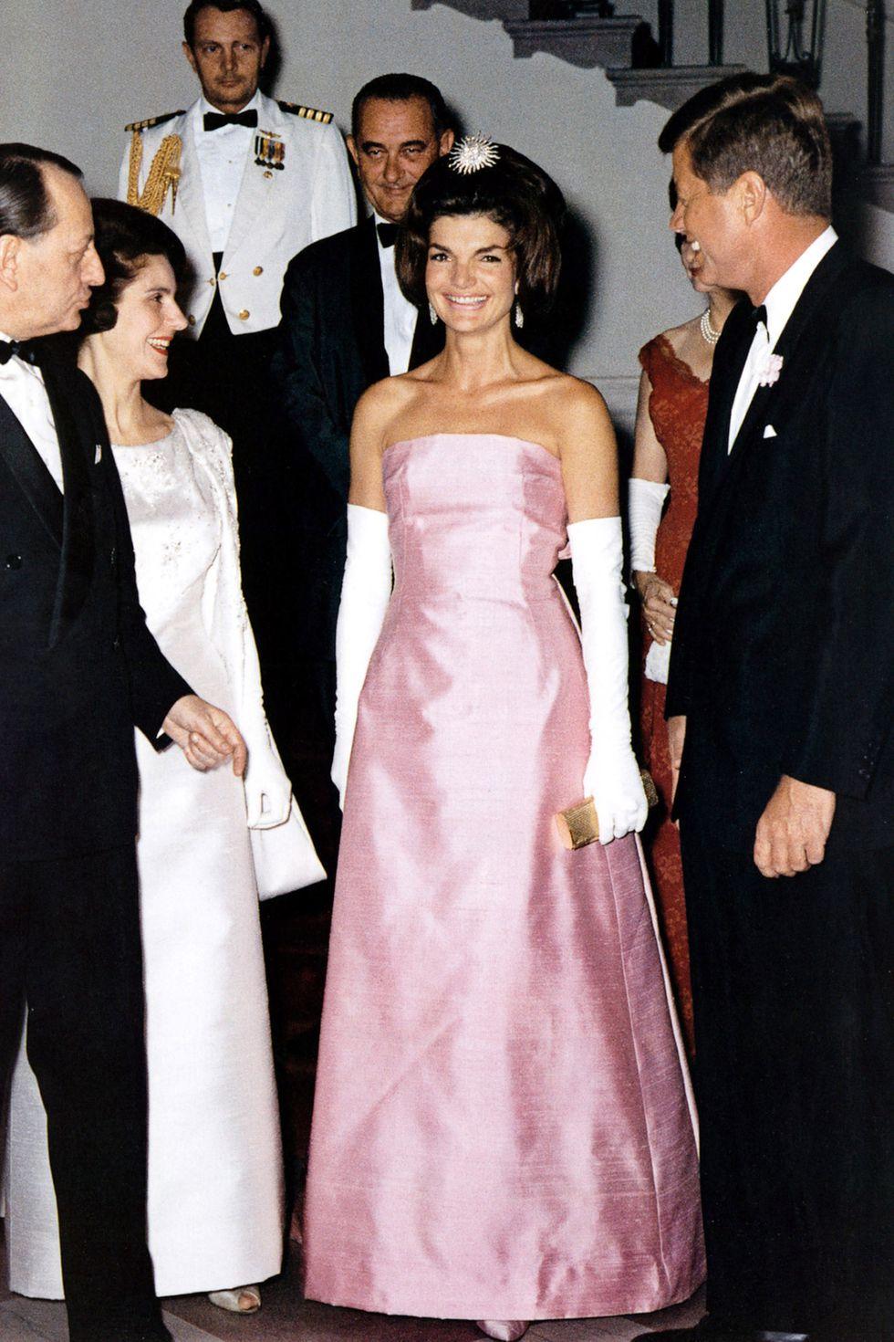 biểu tượng thời trang Jackie Kennedy 6