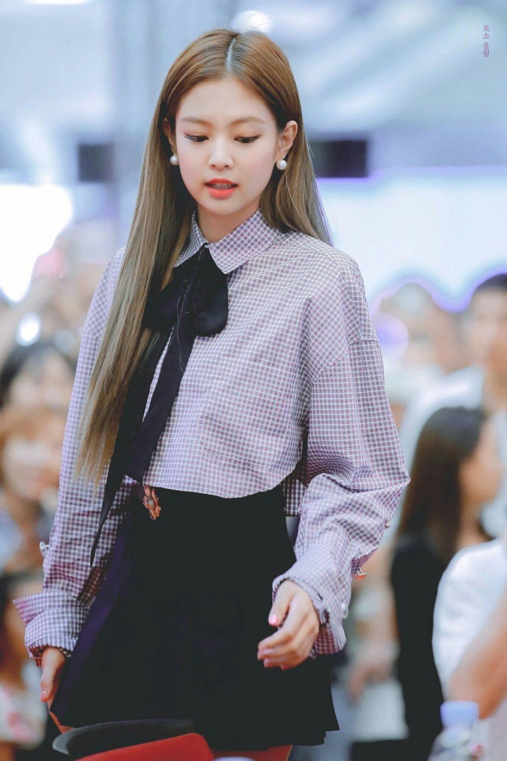 Jennie Kim Black Pink kiểu tóc đẹp 3