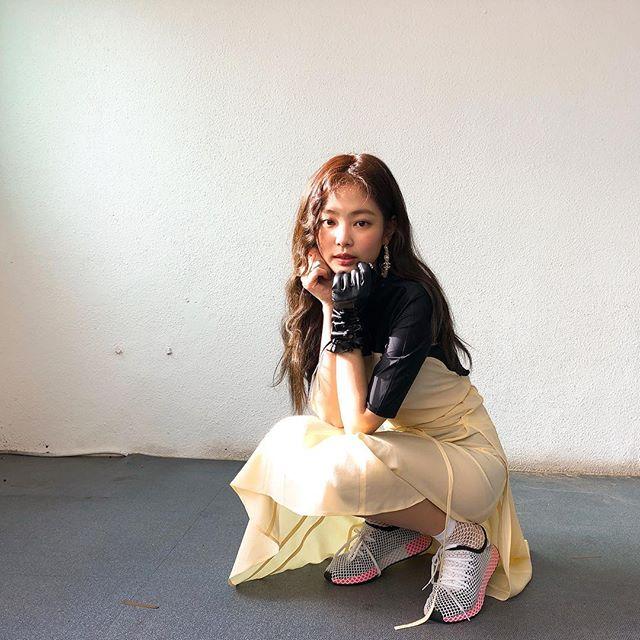 Jennie Black Pink 4