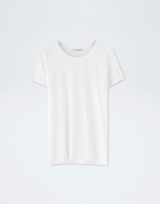 áo thun trắng pull&bear