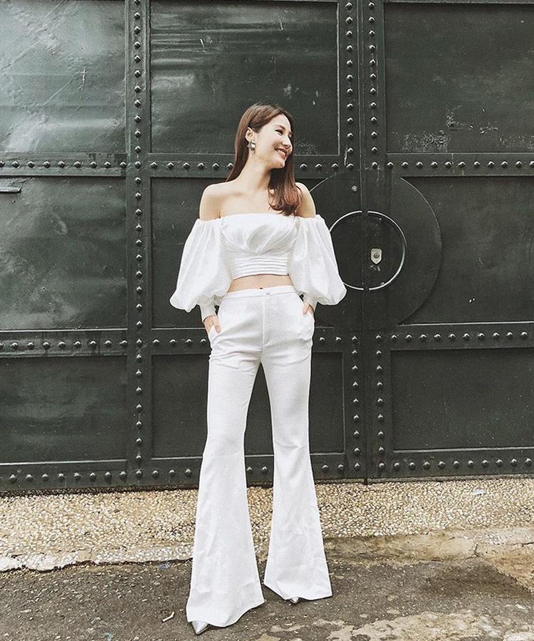 Nữ diễn viên Diễm My 9x thanh lịch trong set đồ trắng đơn giản