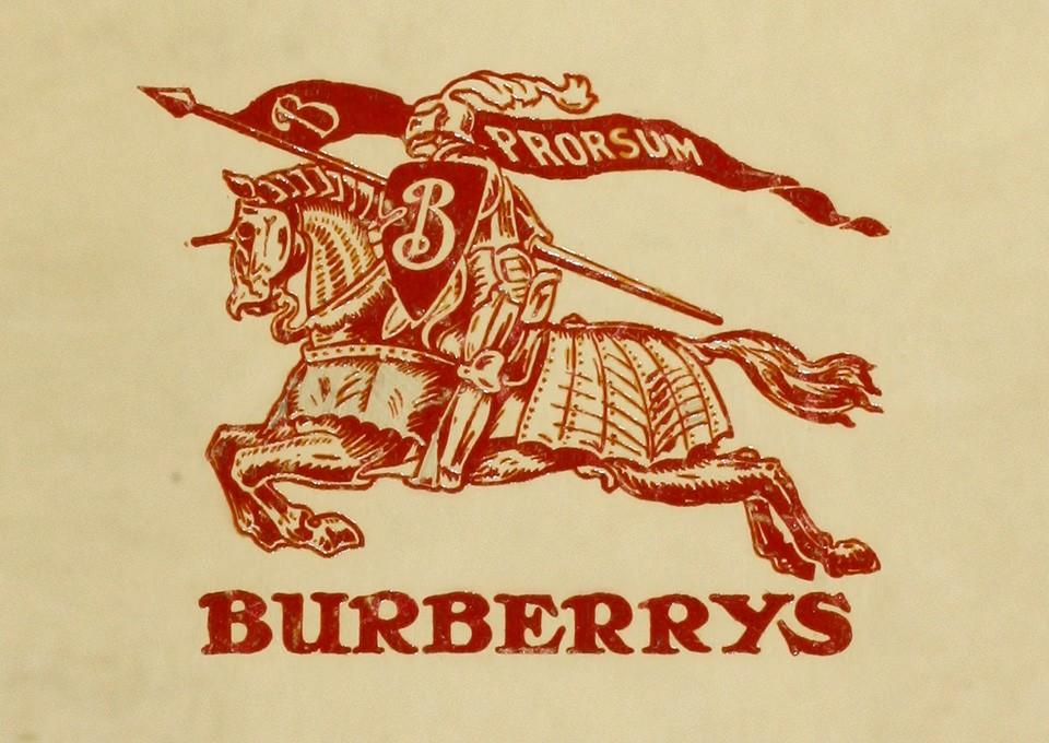 thương hiệu burberry thay đổi biểu tượng 3