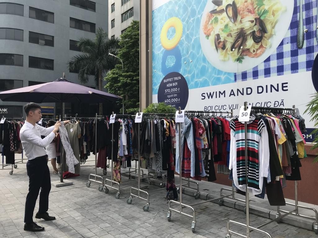 khách sạn novotel suits hanoi hoạt động từ thiện - 02