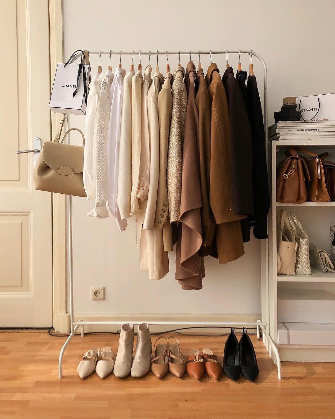 chọn mua sắm đồ mang phong cách tối giản