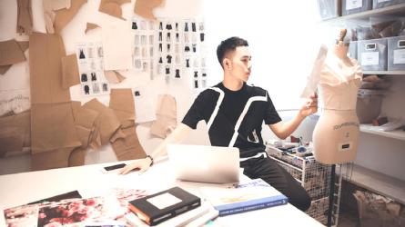 [Trà chiều với Nhà thiết kế] Câu chuyện khởi nghiệp & kinh doanh thời trang của Lâm Gia Khang
