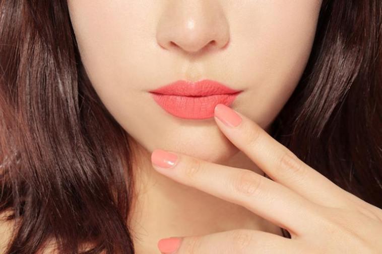cách trang điểm môi