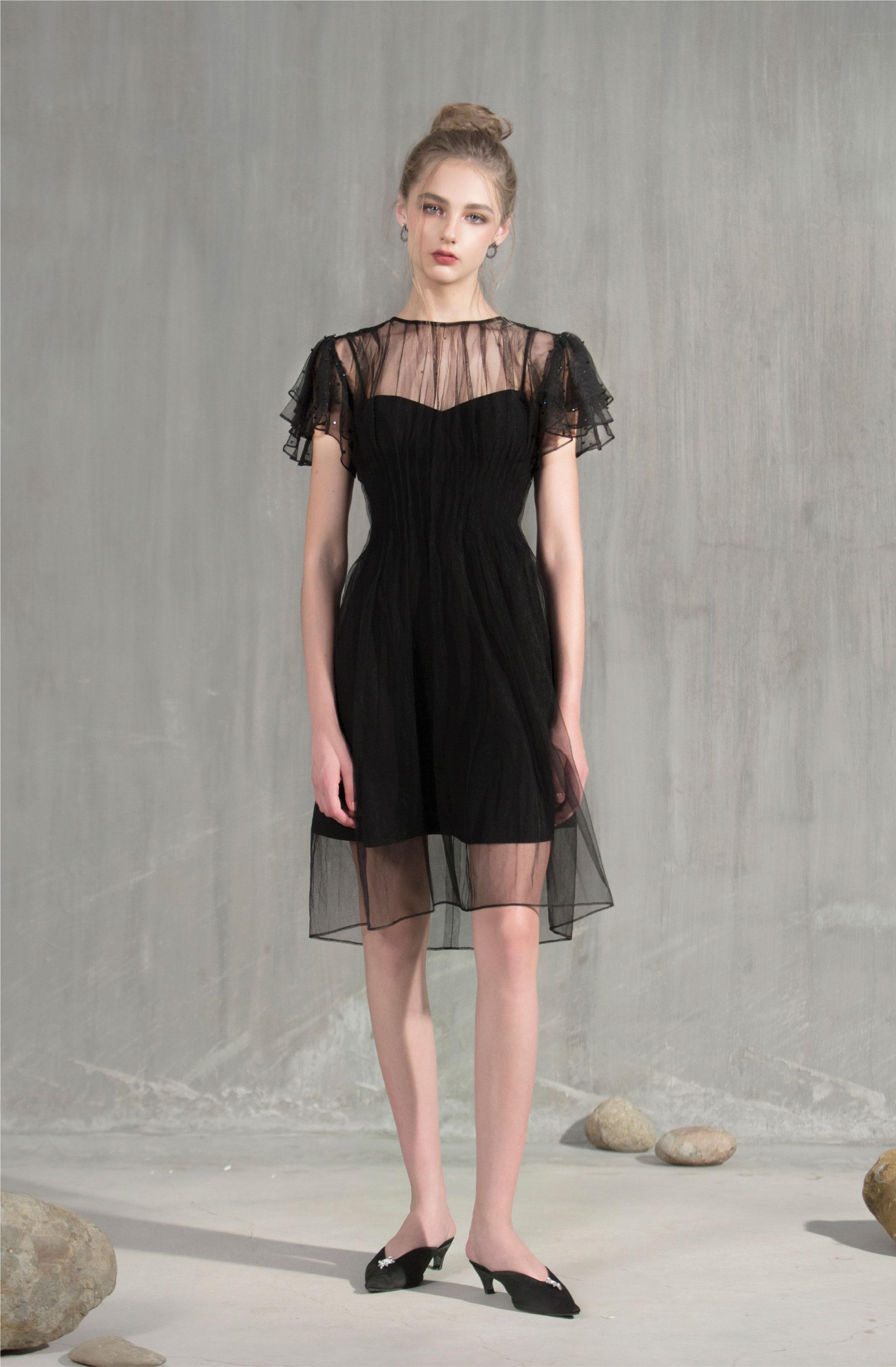 Ngôn ngữ thiết kế giàu cảm hứng thời trang hiện đại là tinh thần làm nên BST mới