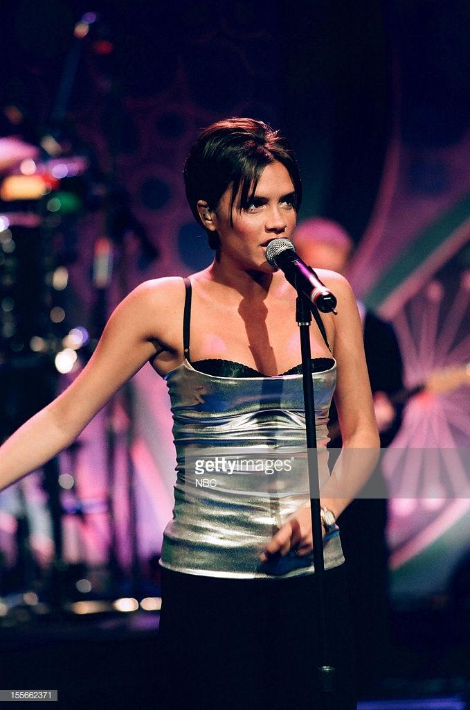biểu tượng thời trang Victoria Beckham 8