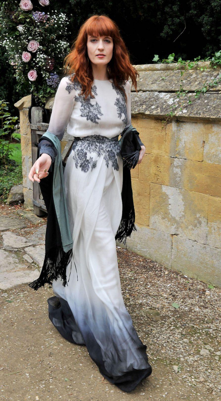 trang phục dự tiệc cưới 5