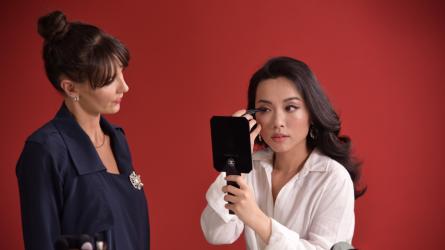 Chuyên gia trang điểm Chanel hướng dẫn Hà Trúc cách makeup khi đi hẹn hò
