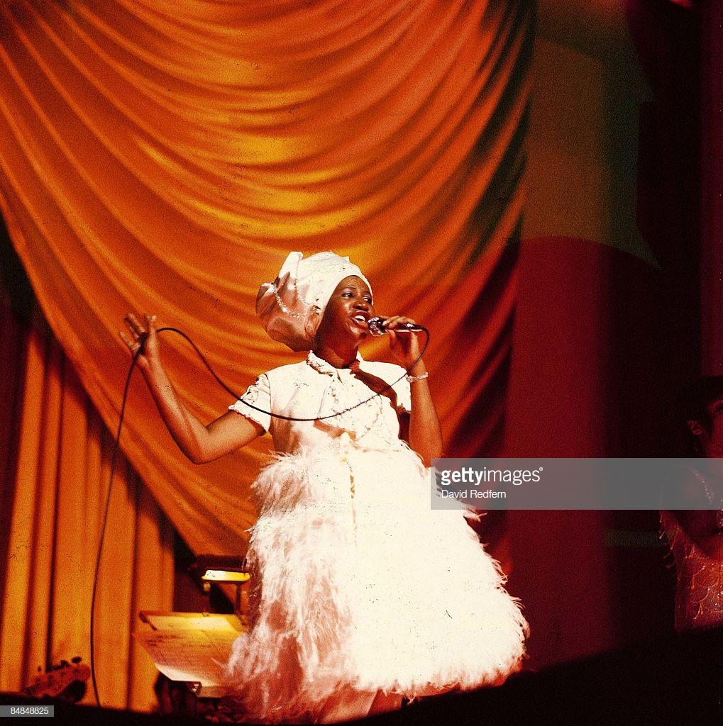 thời trang nữ quyền Aretha Franklin 1968