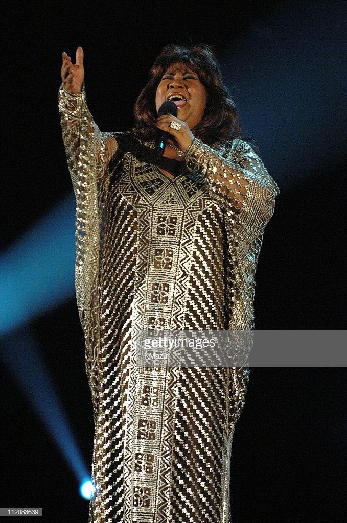 thời trang nữ quyền Aretha Franklin 2005