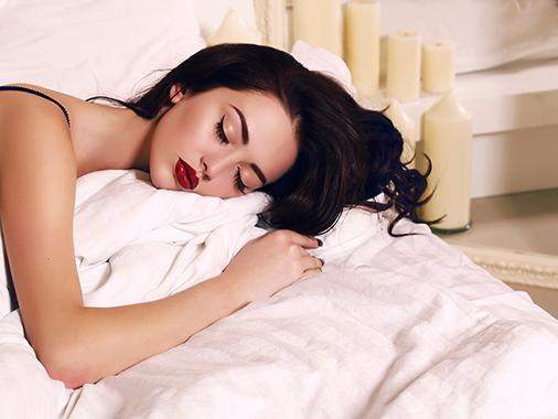 ngủ khỏa thân có lợi 1