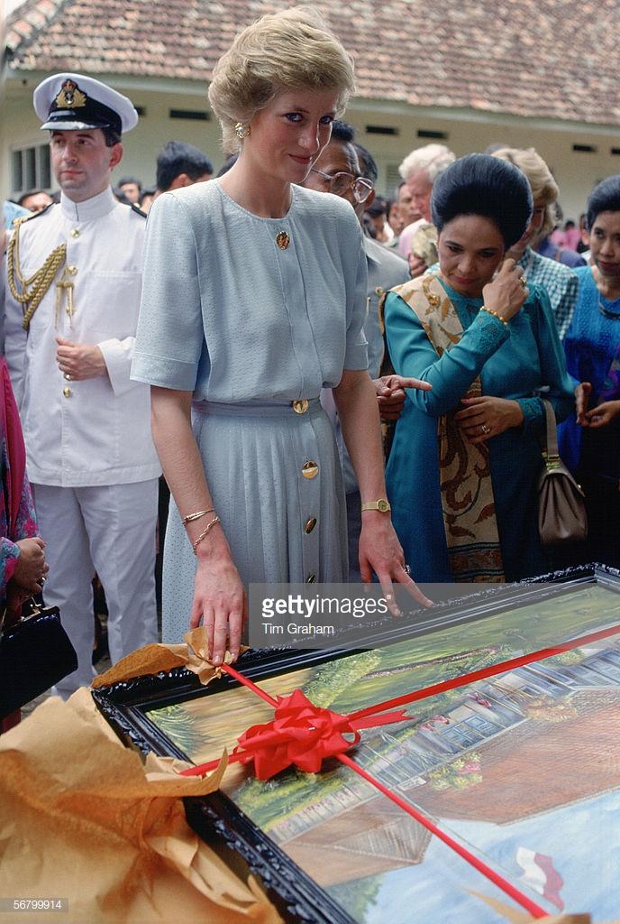 người kế thừa di sản thời trang của công nương Diana 13